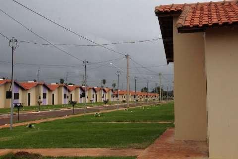 Governo conclui núcleo industrial e entrega casas para Fátima do Sul