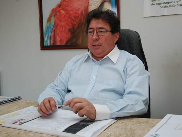Superintendente da SFA (Superintendência Federal da Agricultura), Orlando Baez, admitiu dificuldade em vigiar mais de 600 quilômetros de fronteira seca. (Foto: Simão Nogueira)