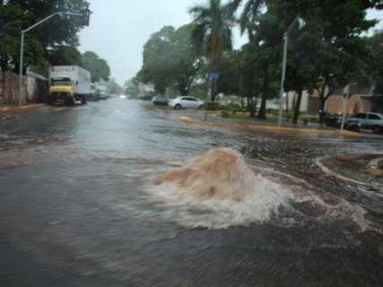Com até 57 milímetros de chuva, leste de MS também registra alagamentos