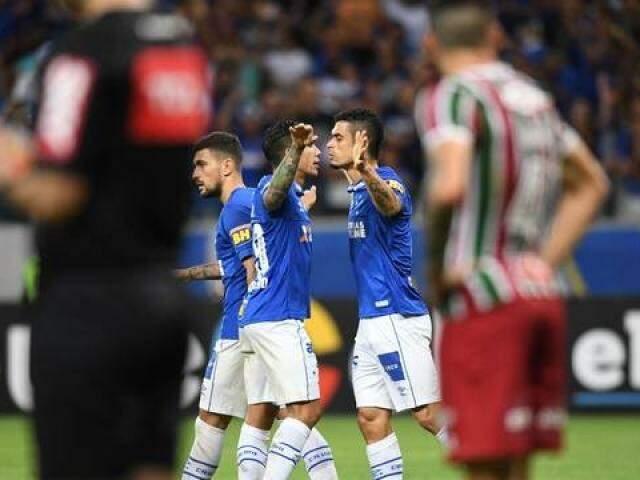 Com o resultado, o Cruzeiro chegou aos 30 pontos na 7ª posição do Brasileirão. (Foto: GE)