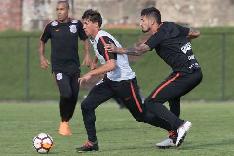 Corinthians e Flamengo estreiam na Libertadores na noite desta quarta-feira