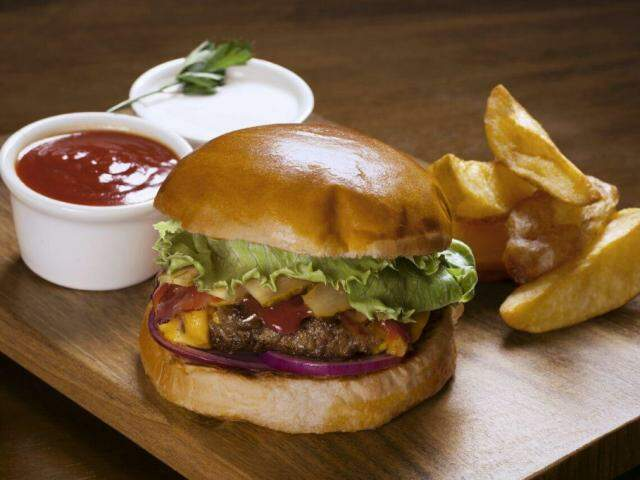 No Dia do Hambúrguer, lanchonetes cortam os preços para festejar a data (Foto: Burger 180)