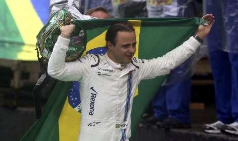 Hamilton vence GP do Brasil em dia de chuva e despedida de Felipe Massa