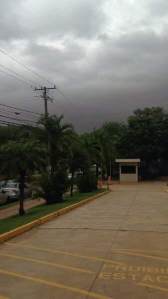 Já chove no Parque dos Poderes (Foto: Direto das Ruas)