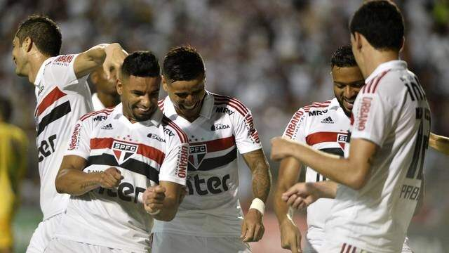 Comemoração de gol do São Paulo contra o Mirassol (Foto: Marcos Ribolli)