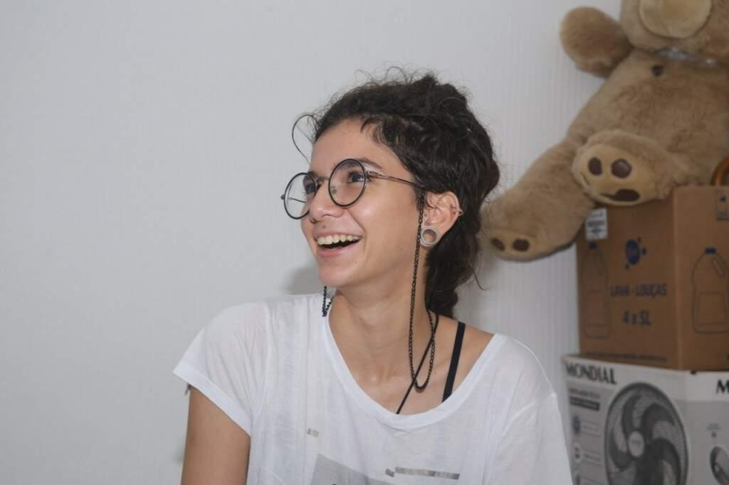 Jovem poeta vai representar o Estado na primeira batalha nacional de Slam só para mulheres em SP (Foto: Paulo Francis)