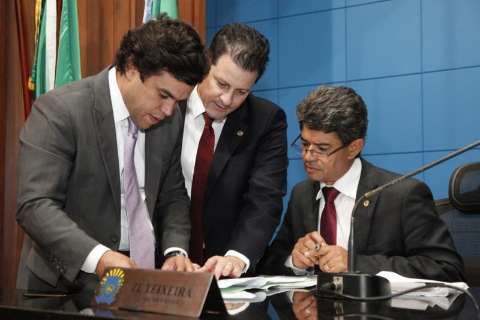 Reforma adéqua legislativo a novo cenário econômico, avaliam deputados