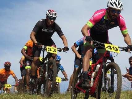 Etapa de ciclismo, jogos estudantis e futebol amador agitam fim de semana