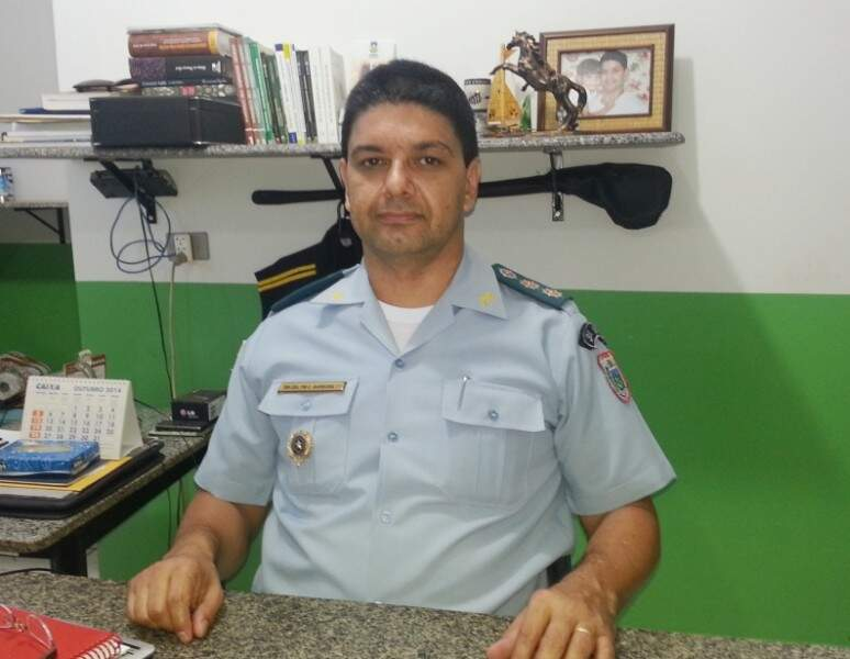 Tenente-coronel Ary Carlos Barbosa, comandante da Polícia Militar em Dourados (Foto: Helio de Freitas)