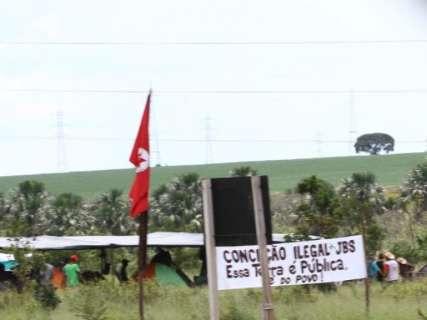 Em poucas horas, acampamento de sem-terra surge no anel rodoviário