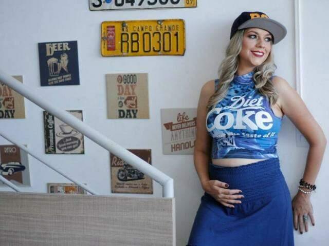 Depois de ensaio de comemoração aos 30 anos, Vanessa recebeu tanta mensagem de mães e grávidas, que repercussão ajudou na criação de grupo.