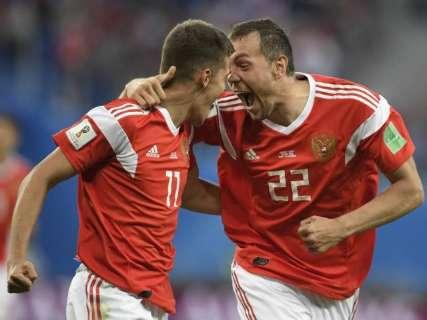 Rússia bate Egito por 3 a 1 e fica perto de classificação para a segunda fase