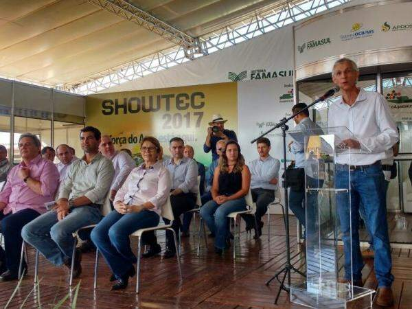Presidente da Fundação MS, Luiz Alberto Moraes Novaes, fala que o evento é para fomentar relação de produtores e pesquisadores. (Foto: Elci Holsback)