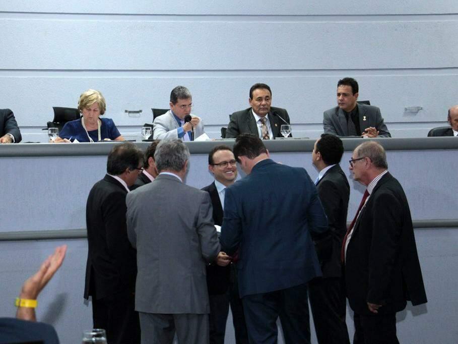 Vereadores no plenário durante votação dos projetos. (Foto: Izaías Medeiros/Câmara Municipal).
