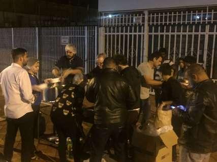 Na noite mais fria do ano, moradores de rua receberão sopa e agasalhos