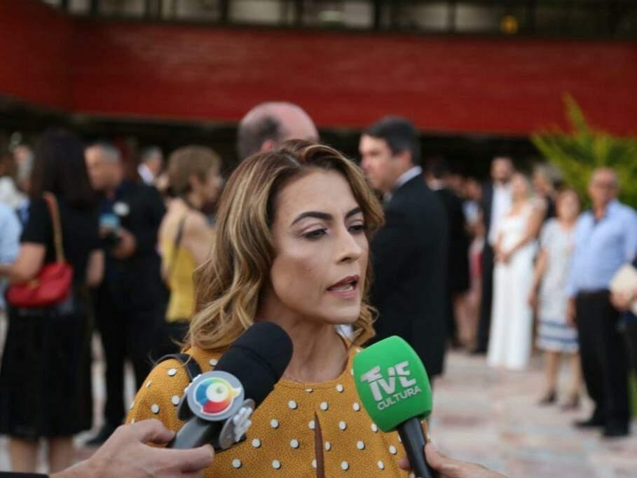 Senadora eleita, Soraya Thronicke (PSL) dá entrevista ao chegar para cerimônia de diplomação (Foto: Paulo Francis)