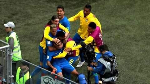 Com 2 gols nos minutos finais e muita emoção, Brasil despacha Costa Rica