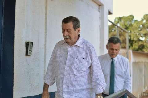 Advogados levam colchão, ventilador e roupa para Puccinelli e o filho