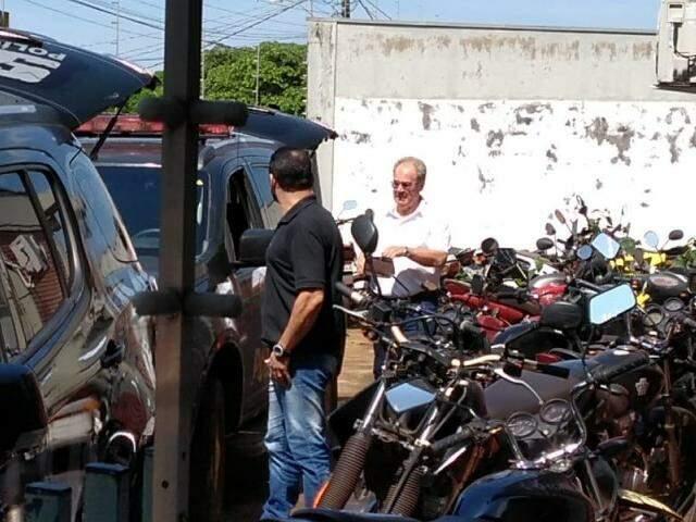 Idenor Machado, no dia em que era levado para a penitenciária após ser preso na Operação Cifra Negra (Foto: Adilson Domingos)
