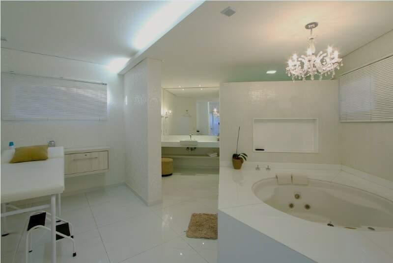 A sala da noiva comporta até banheira de spa para o dia mais importante da vida da mulher. (Foto: Gilson Barbosa)