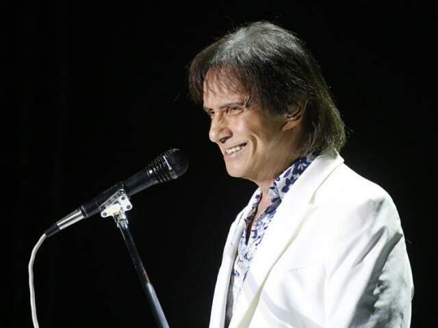 Comemoração dos 60 anos de carreira deve acontecer em cima dos palcos, já que o cantor cumpre intensa agenda de shows da turnê.(Fotos: Gerson Walber)