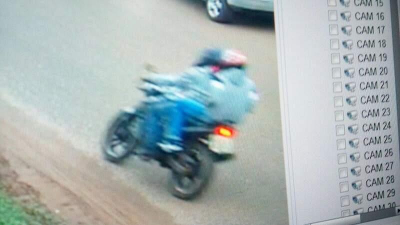 Outros dois envolvidos no atentado também estavam em moto (Foto: Divulgação)