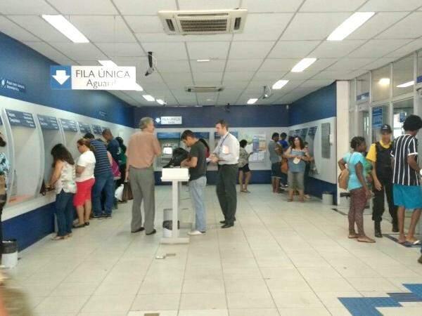 Banco colocou atendimento exclusivo para o FGTS. (Foto: Elci Holsback)