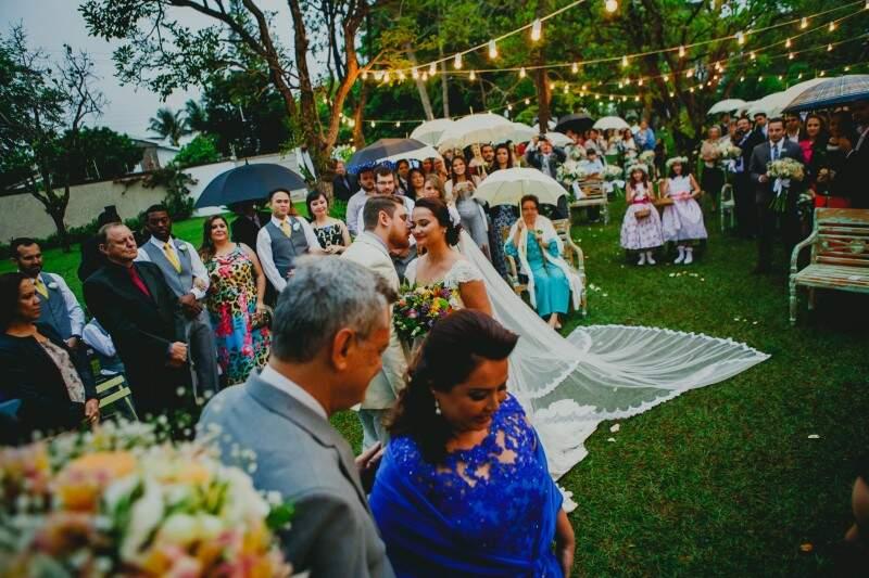 Quando o casal se encontrou no altar. (Foto: Allan Kaiser)