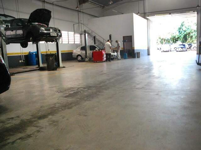 Oficina mecânica em Campo Grande; empresas do ramo contratam 11 trabalhadores hoje (Foto: Arquivo)