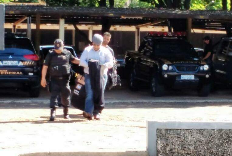 Celso Eder, apontado como líder do esquema, no dia em que foi preso. (Foto: Marcos Ermínio)