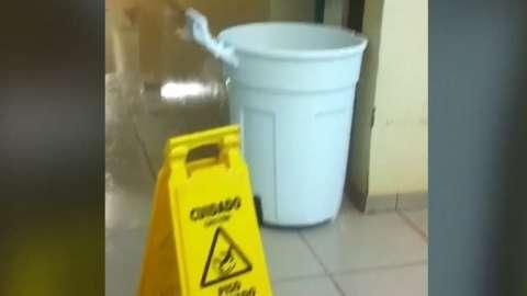 Lixeira vira balde em UPA alagada pela chuva no Universitário