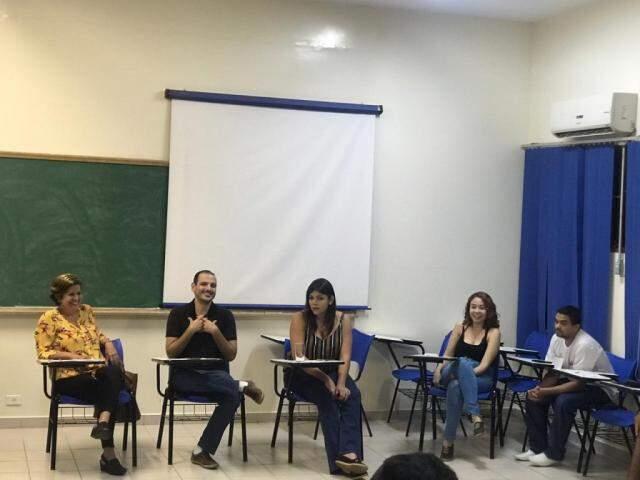 Debate se estendeu até às 20h30 e, além da busca por táticas para levar o assunto à população e melhorar a saúde do adolescente, se baseou no relatório da Unesco.