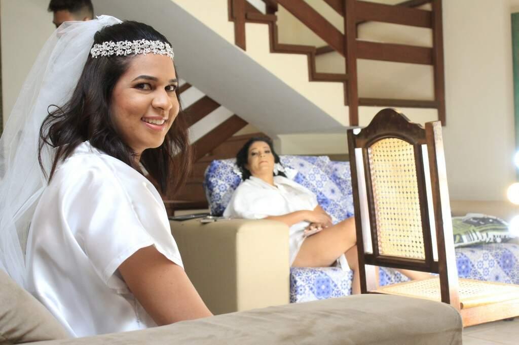Luzinete e Débora se arrumaram juntas para o casamento (foto: Marina Pacheco)