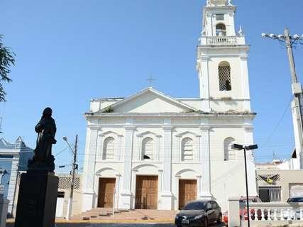 Fundação de Cultura repassa dinheiro para iluminar Catedral de Corumbá