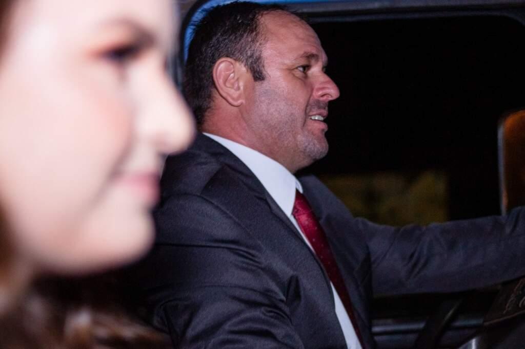 Andressa e o pai, Sandro Antônio Cossari no caminhão (Foto: Yuri Marinho)