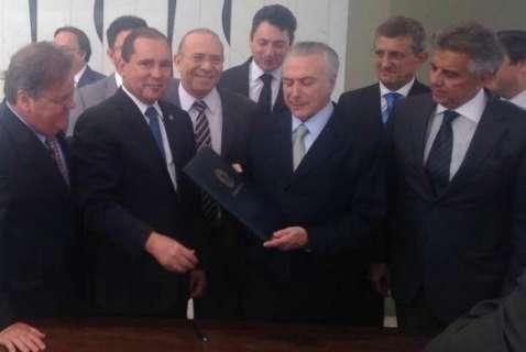 Notificado pelo Senado, Michel Temer já é presidente da República em exercício