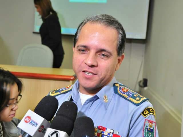 Policiais vão parar atrás das grades e ameaçam matar comandante da PM