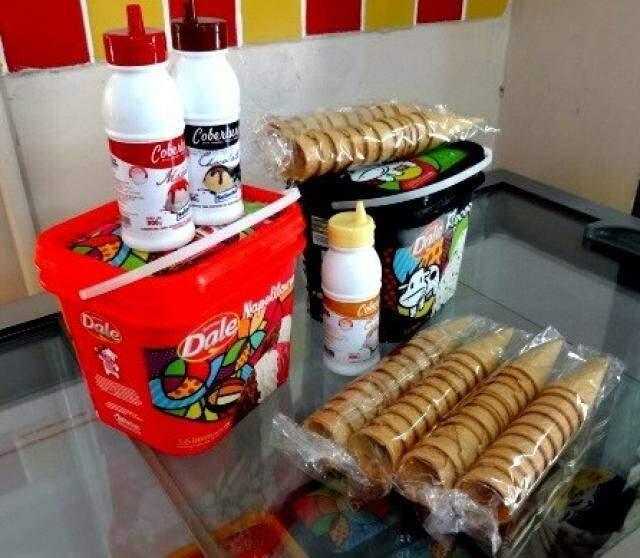 """Marca também vende kits para pessoa levar a """"sorveteria"""" para casa."""