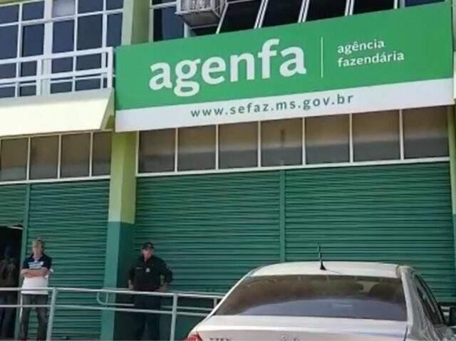 Fachada da Agência Fazendária, em Campo Grande, onde contribuintes podem negociar dívidas com o governo. (Foto: Marina Pacheco/Arquivo)