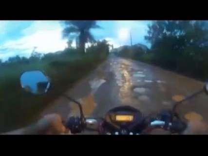 """Em vídeo, leitor mostra """"rali"""" nas ruas do Cristo Redentor em dias de chuva"""