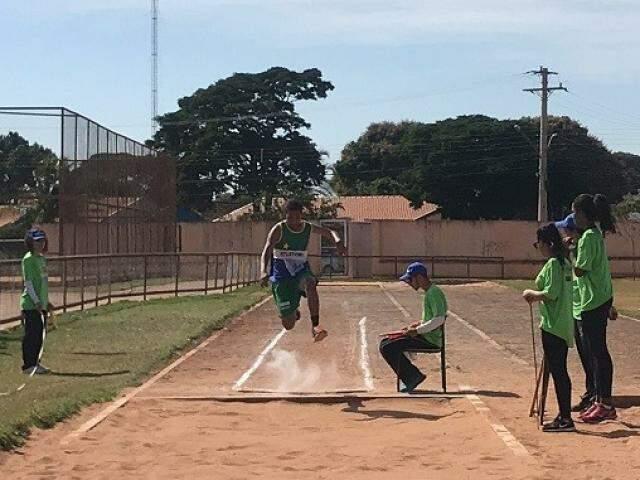 Salto em distância é uma das modalidades em disputa (Foto: Divulgação)