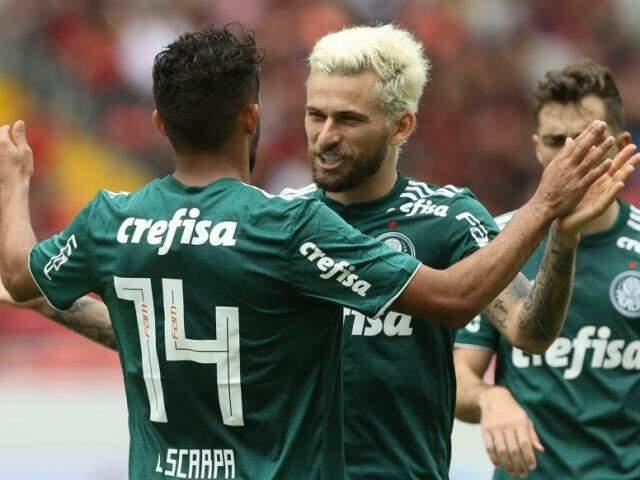 Jogadores do Palmeiras, incluindo Gustavo Scarpa, durante comemoração durante amistoso (Foto: Cesar Greco/Agência Palmeiras)