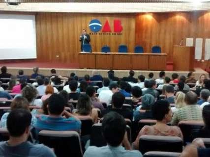 """Evento sobre a """"Lei da Mordaça"""" na Capital é marcado por vaias e discussões"""