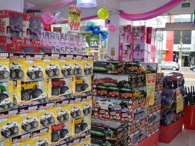 Procon fez pesquisa de preço de brinquedos em seis lojas de Dourados (Foto: Dourados News)