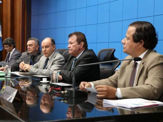 Deputados aprovaram o projeto na sessão desta terça-feira (Foto: Victor Chileno/ALMS)