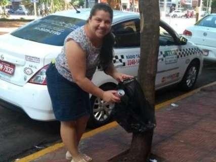 Latinhas 'viram' cadeiras de roda em campanha de escola profissionalizante