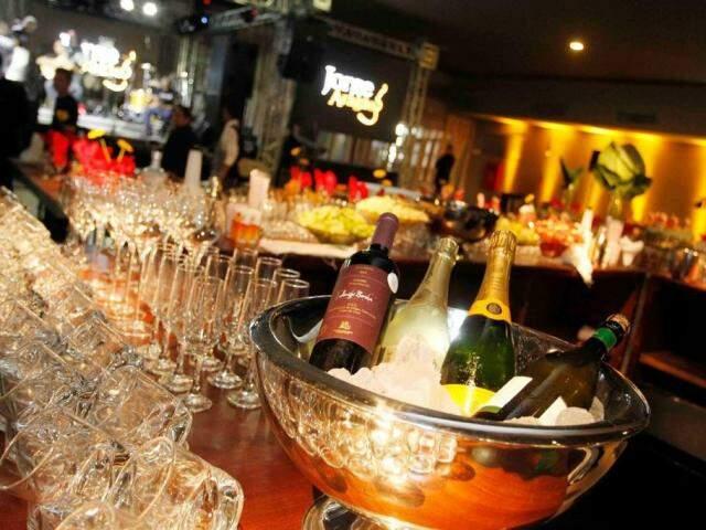 Festa servirá uísque 18 anos, Champagne Veuve Clicquot, caipirinha com vodka Absolut, vinho português D'Ouro. (Foto: Divulgação)