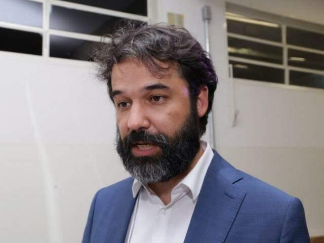 Tiago Braga, representante do Ibict, durante palestra na UFMS (Foto: Kísie Ainoã)