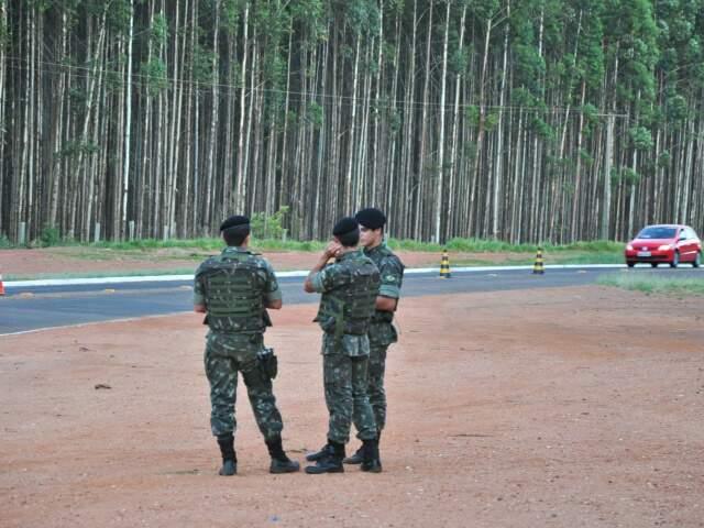 Ameaça a Mato Grosso do Sul faz Exército ir para a fronteira reforçar vigilância. (Foto: João Garrigó)