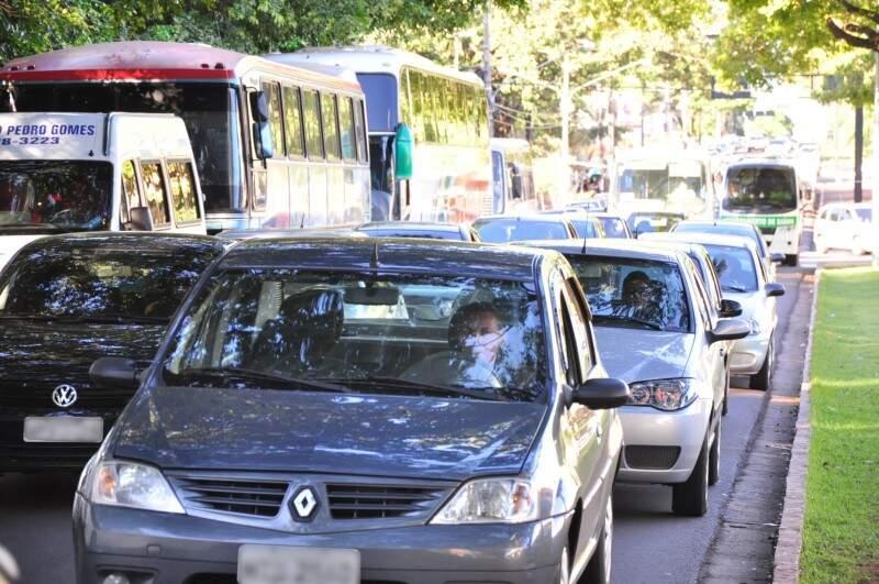 Com o contrato suspenso, inspeção veicular não tem prazo para ser adotada em Campo Grande. (Foto: João Garrigó)